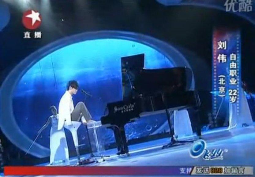 Liu Wei pasirodymo metu