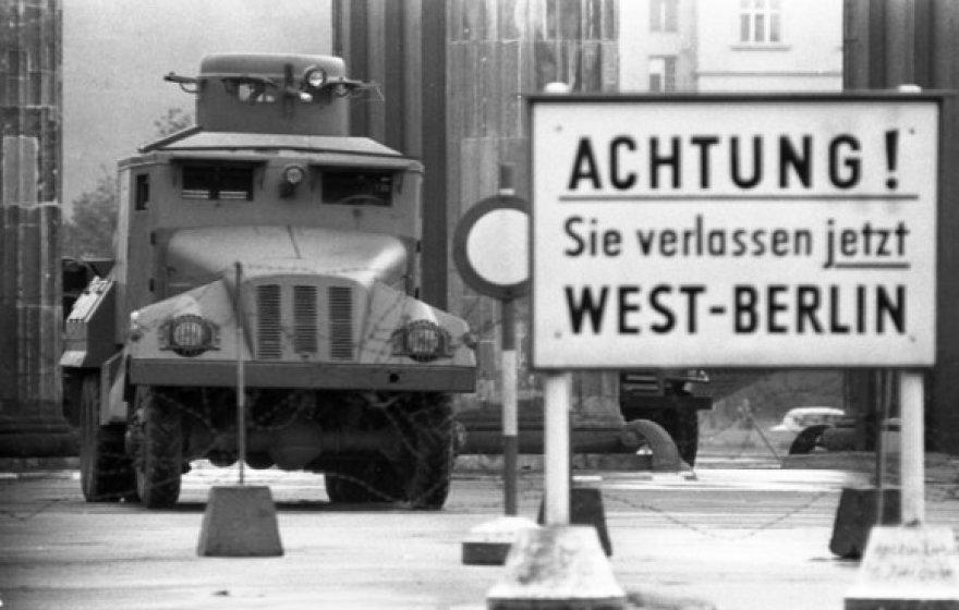 Rytų ir Vakarų Berlyno siena (1961 m.)