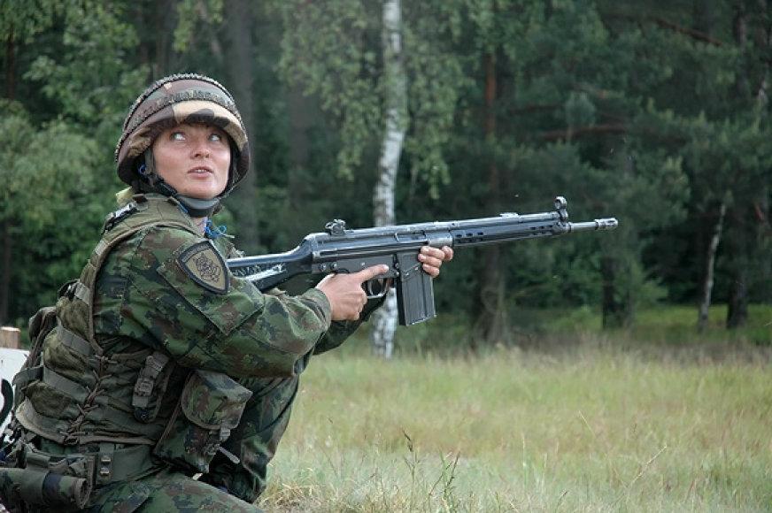 Karė šaudymo pratybose