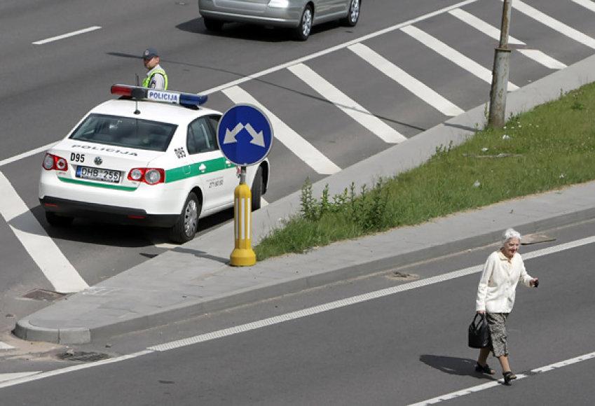 Policija stebi eismą