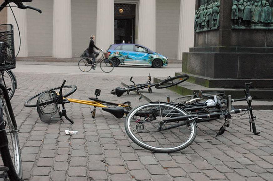 Vėjo išvartyti dviračiai