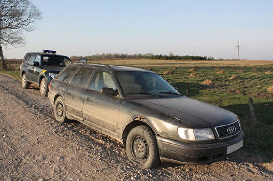 Pasieniečių sustabdytas automobilis Audi