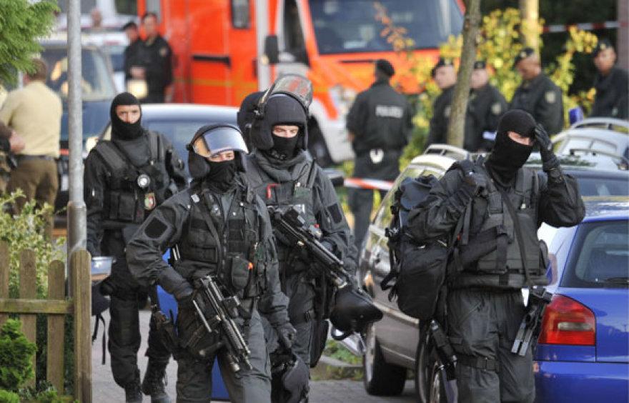 Specialiosios policijos pajėgos įvykio vietoje