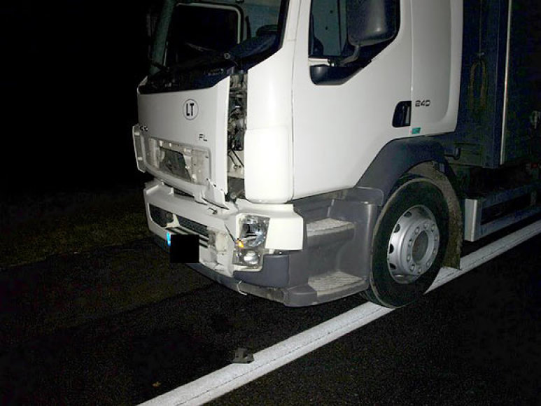 "Vilkikas ""Volvo"" po avarijos Ukmergės rajone"