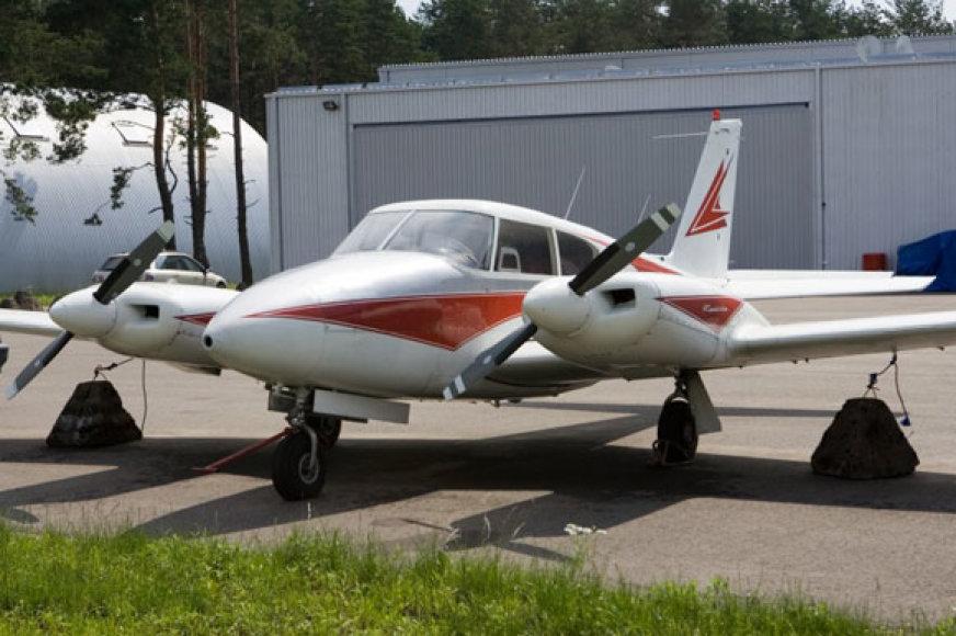 """Lėktuvas """"Piper PA-30 Twin Comanche"""""""