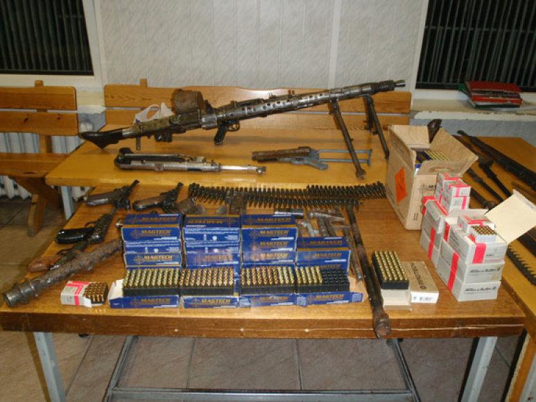 Vilniaus r. rastas ginklų arsenalas