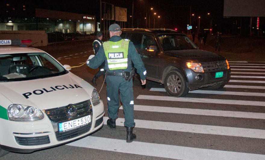 Turkijos diplomato automobilis moterį patrenkė pėsčiųjų perėjoje