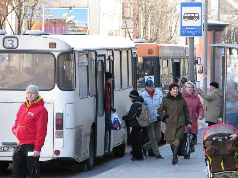"""Keičiasi į sodus """"Dituva"""" vežančių autobusų tvarkaraščiai."""