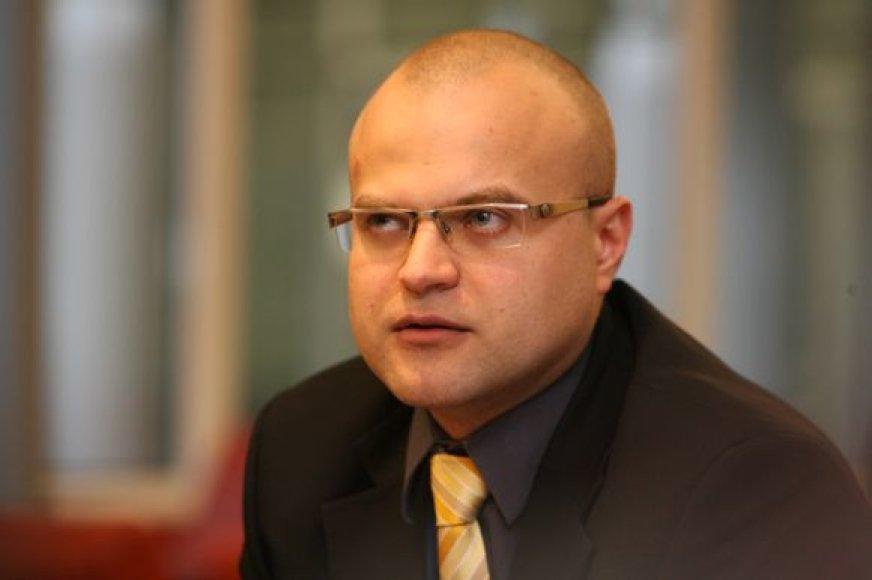 Naujasis TVOU vadovas T.Vaišvila sumažino uosto mokesčius ir ketina pradėti reorganizaciją.