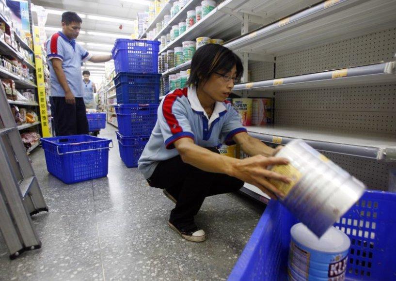 Melaminu užteršti produktai šalinami iš parduotuvių lentynų.