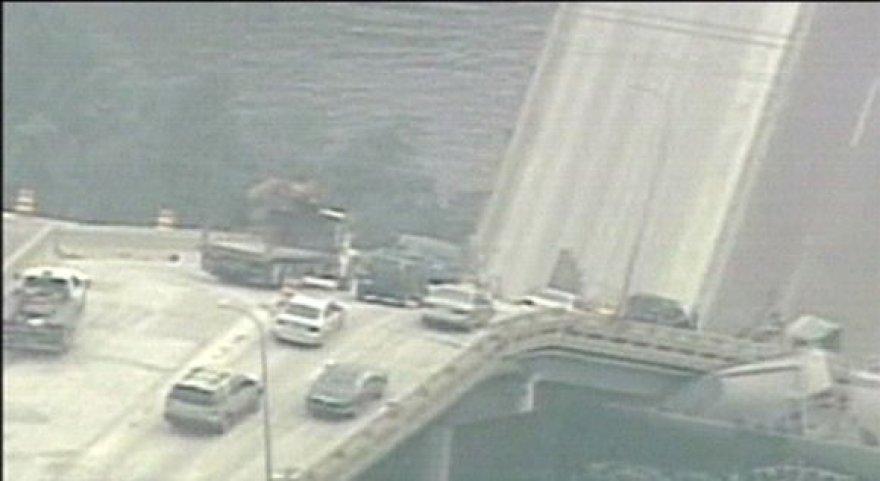 Minesotoje sugriuvęs tiltas