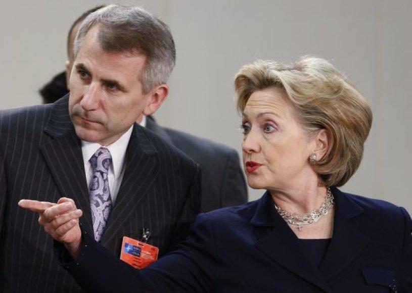 Vygaudas Ušackas ir Hillary Clinton NATO užsienio reikalų ministrų susitikime.
