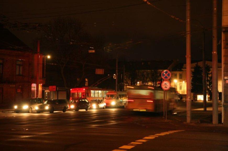 Vilniaus savivaldybės sprendimu, mieste užgeso kas trečias šviestuvas.