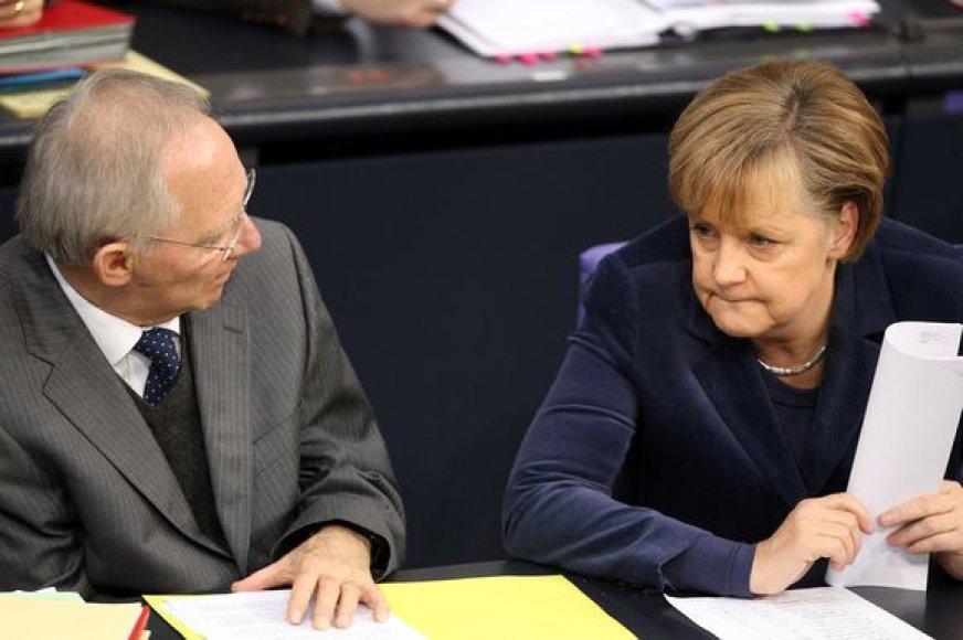 Wolfgangas Schauble ir Angela Merkel