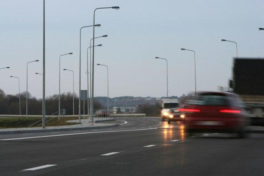 M.K.Čiurlionio estakadoje ir Marvelės gatvėje bus leidžiama važiuoti greičiau nei iki šiol.