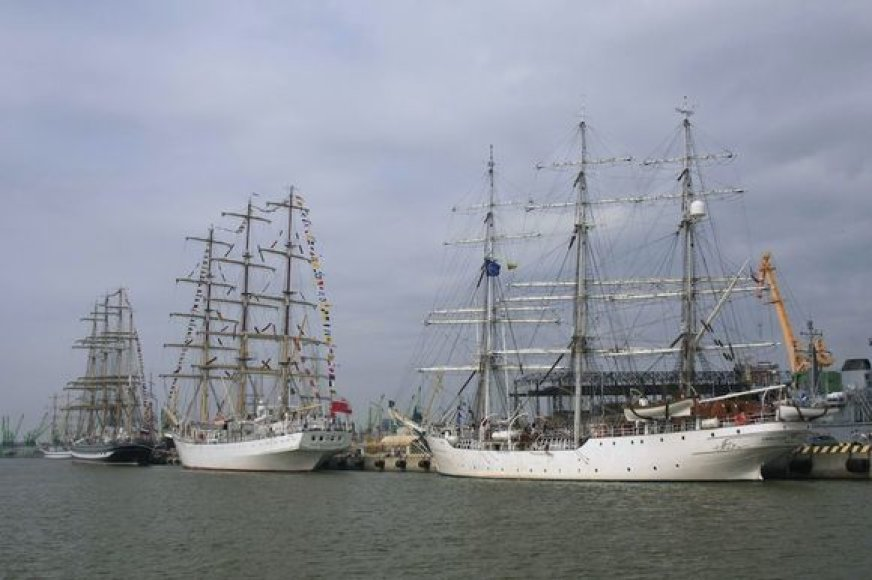 """The Culture 2011 Tall Ships Regatta"" dalyviai"