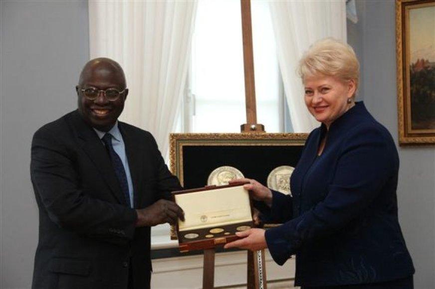 Jacquesas Dioufas ir Dalia Grybauskaitė