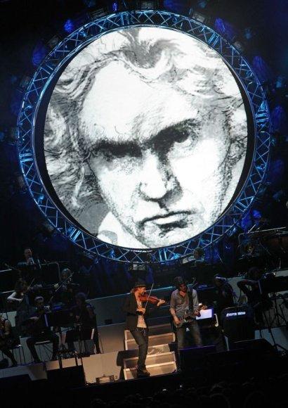 Ludwigo van Beethoveno portretas papuošė smuikininko Davido Garrett koncertą.