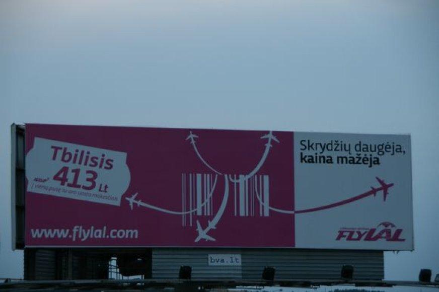"""flyLAL""  atšaukė skrydį į Tbilisį."