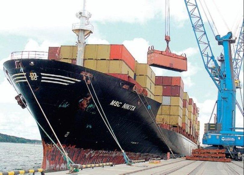 """Pats ilgiausias į Klaipėdos uostą įplaukęs laivas buvo 258 metrų, bet """"Klaipėdos Smeltėje"""" ateityje laukiama ir didesnių – iki 300 metrų ilgio laivų."""