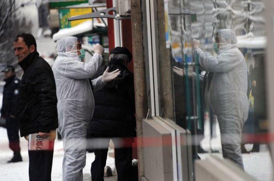 Bulgarijos policijos ekspertai tiria B.Tsankovo nužudymo vietą.
