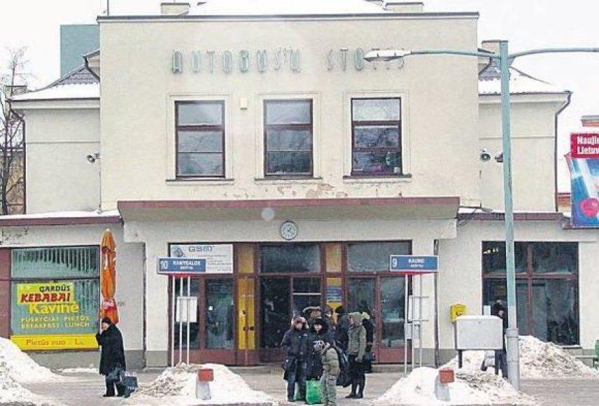 Skolos bankams privertė užstatyti miesto centre esančią Panevėžio autobusų stotį.
