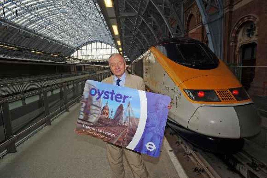 """Bendra viešojo transporto kortelė veiks """"Oyster"""" kortelės principu."""