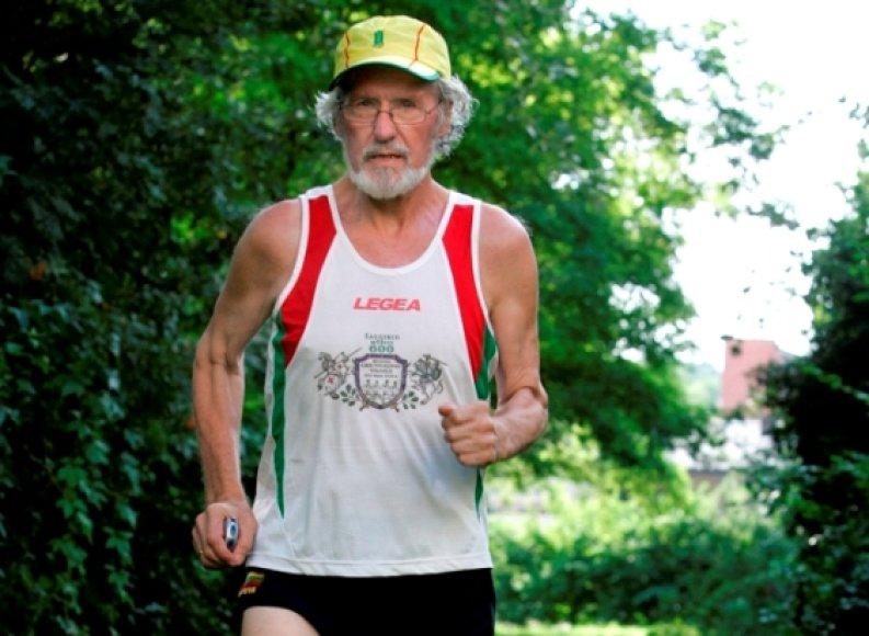 Vienas vyriausių maratono bėgikų Jonas Gudmonas