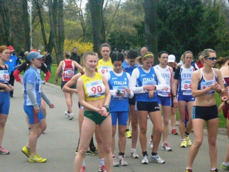 Moterų startas Podebraduose