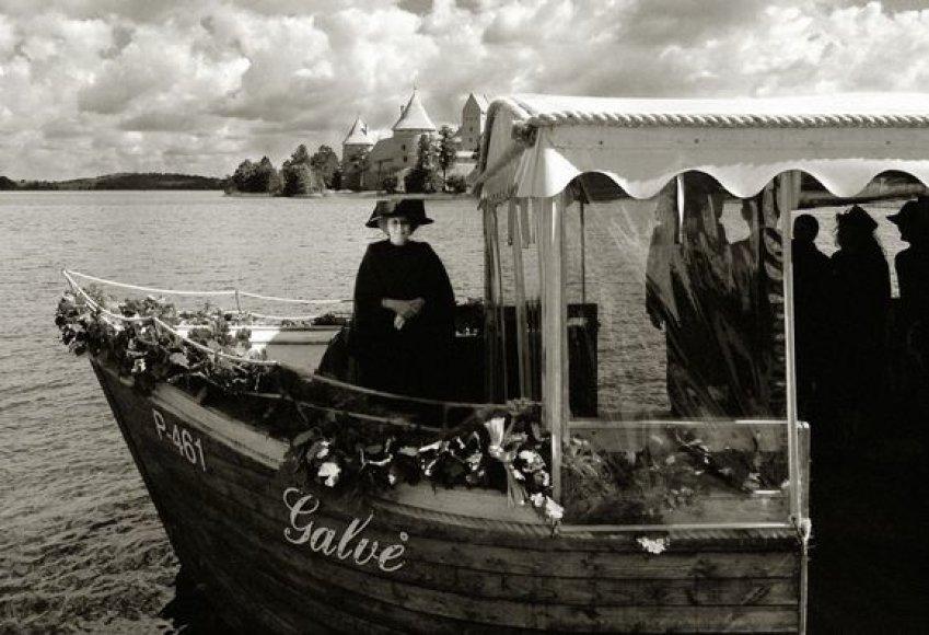 Karalienė Beatrix pakeliui į Trakų pilį