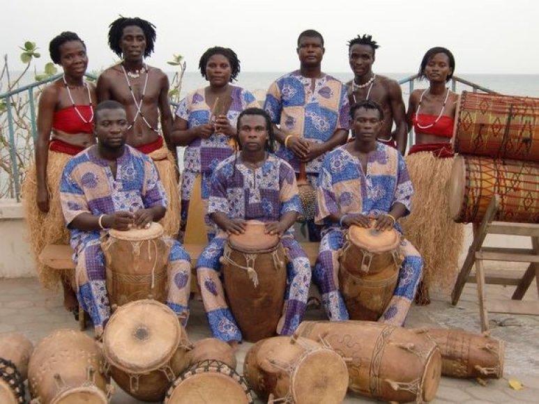 Afrikos cirko artistai iš Ganos