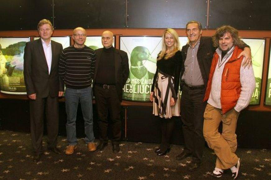 """Grupė """"Antis"""" ir filmo """"Kaip mes žaidėme revoliuciją"""" režisierė Giedrė Žickytė"""