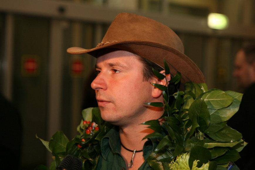 Į Lietuvą sugrįžo lietuvių Aurelijaus Petraičio ir Antano Juknevičiaus ekipažas, dalyvavęs Argentinoje ir Čilėje vykusiame Dakaro ralyje. 2009 sausio 22 d.