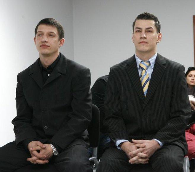 Donatas Balčytis teisme (dešinėje)