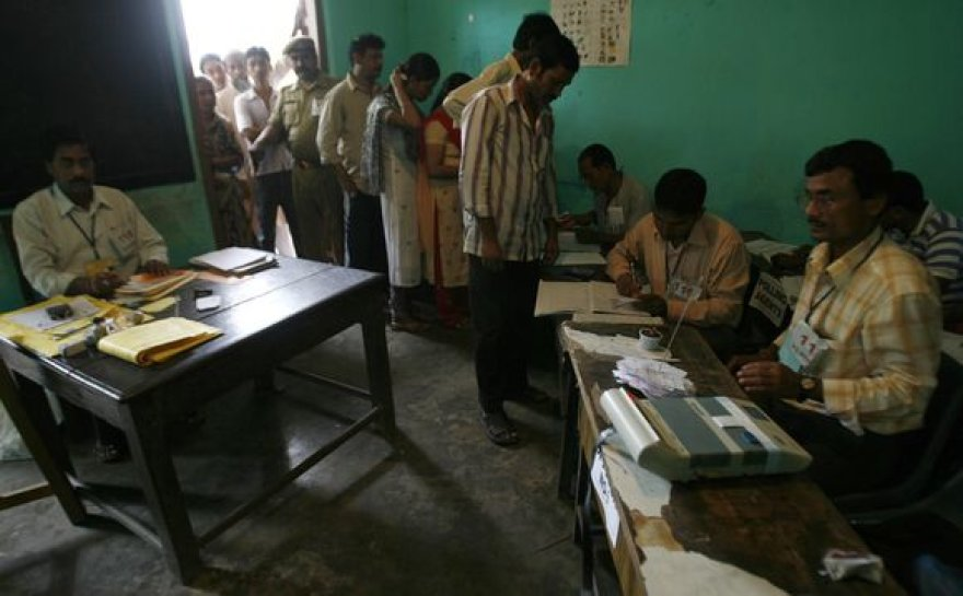 Indijoje prasidėjo antrasis rinkimų ratas.