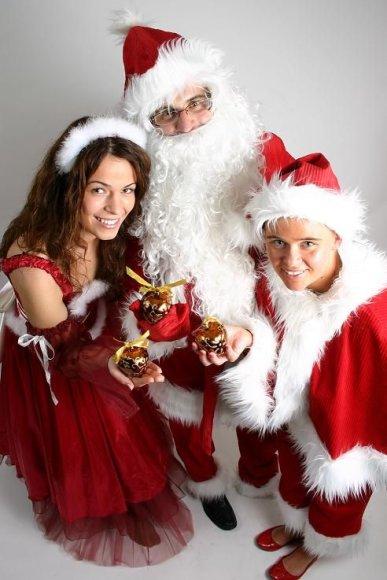 Kalėdų Senelis su padėjėjais