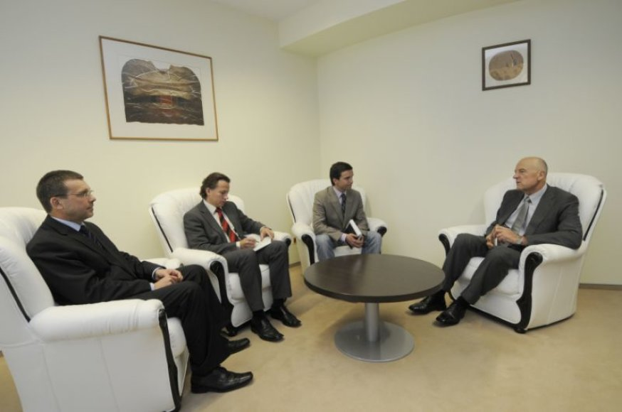 Rektorius naujajam MRUSA prezidentui linkėjo didžiausios sėkmės.