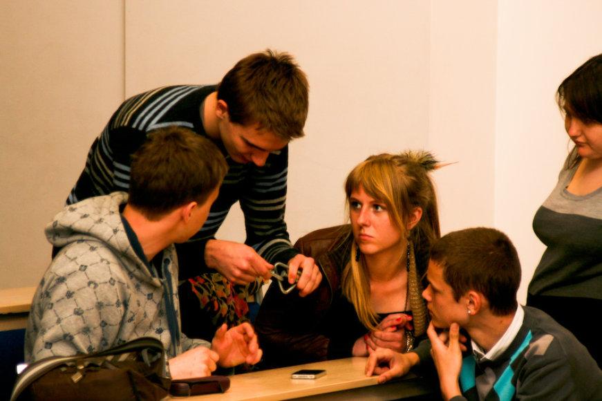 Specialiai moksleiviams buvo suorganizuotas J.Gransko galvosūkių turnyras.