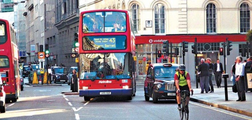 Į Londono finansų ir verslo rajoną grįžo optimizmas.
