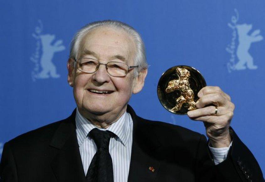 """Lenkų režisierius Andrzejus Wajda gavo """"Alfred Bauer"""" prizą."""