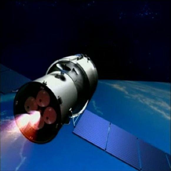 """Kinija į kosmosą paleido pirmąją tyrimų laboratoriją """"Tiangong-1"""" (3 D vizualizacija)"""