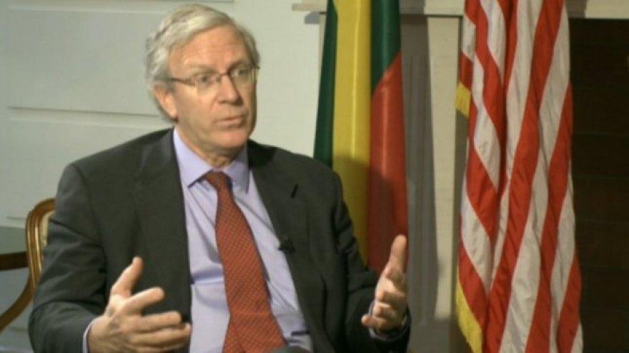 JAV diplomatas Charlesas Riesas