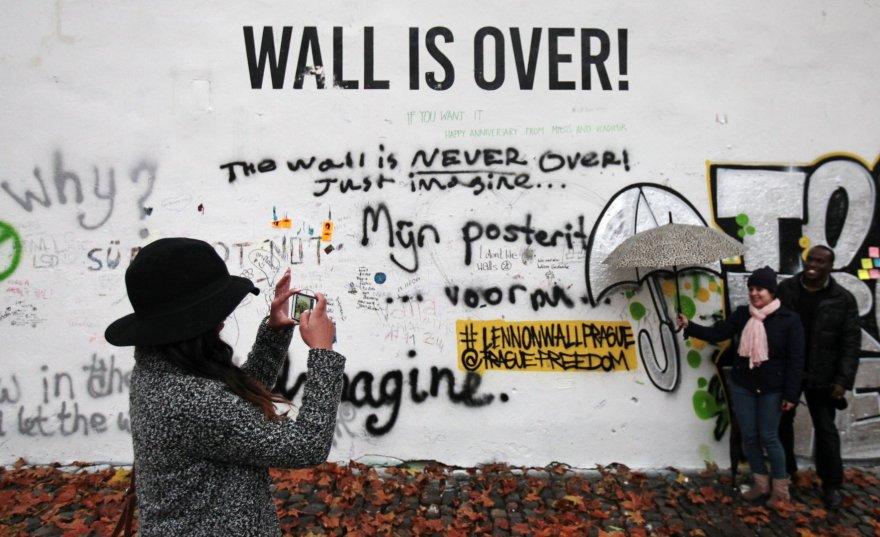 J.Lennono siena Prahoje