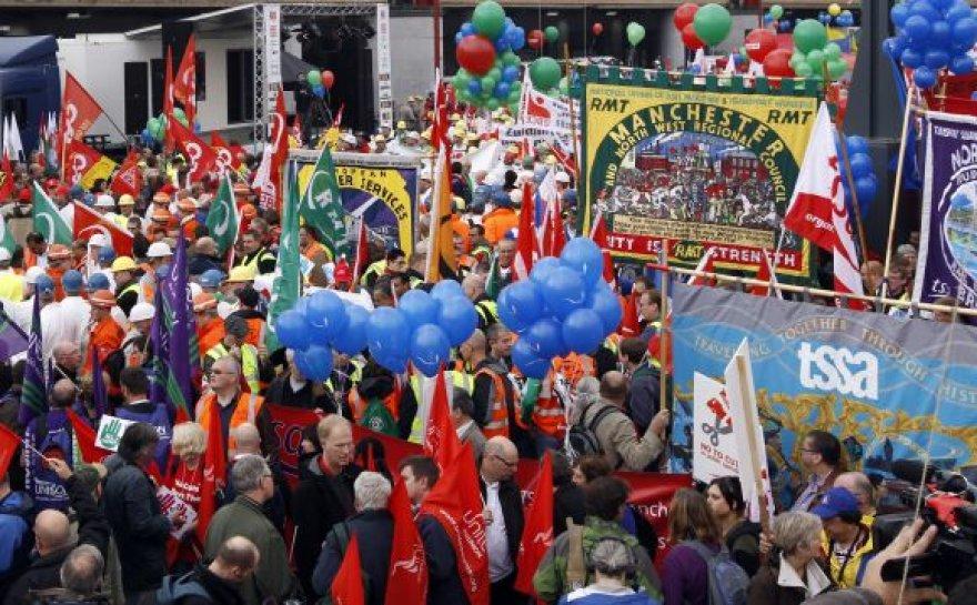Demonstrantai iš Didžiosios Britanijos