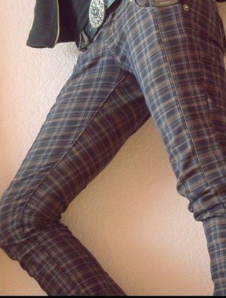 7. Languotos kelnės