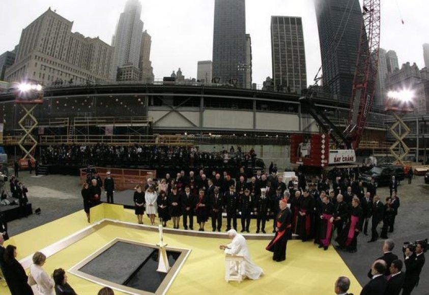 Popiežiaus Benedikto XVI-asis vizitas rugsėjo 11 d. memoriale Manhetene.