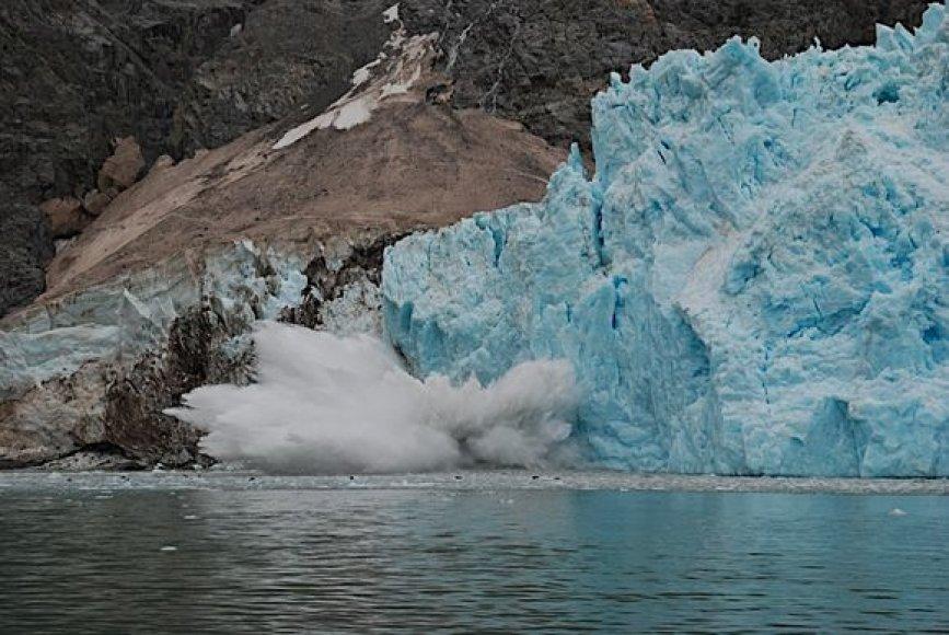 Sparčiai tirpstantis Šiaurės vakarų ledynas Aliaskoje