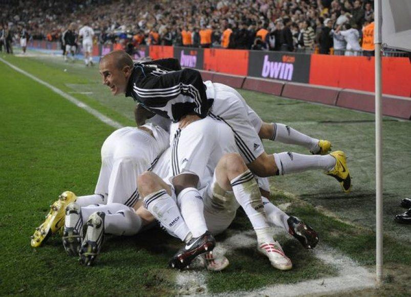 """""""Real"""" tik trim taškais atsilieka nuo Ispanijos čempionato lyderių"""
