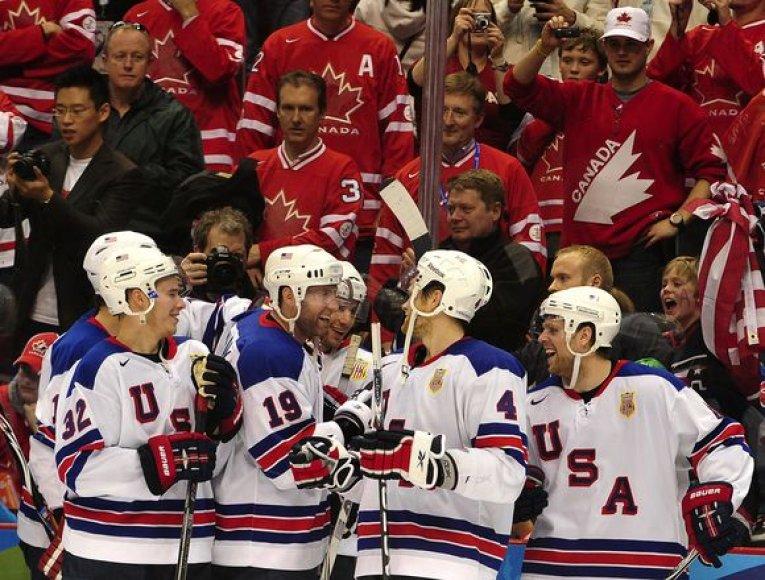 JAV ledo ritulininkai įveikė olimpiados šeimininkus kanadiečius