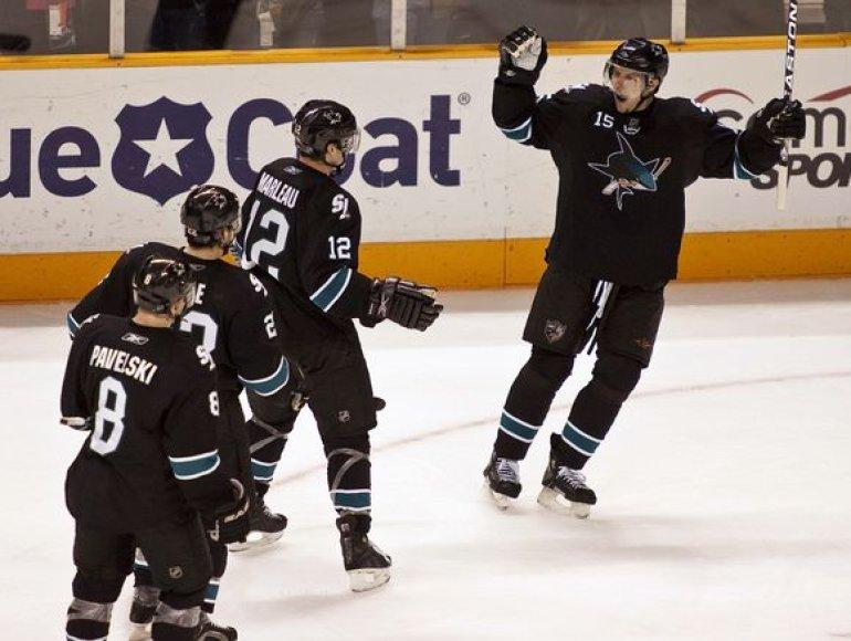 San Chosė ekipa tapo vienvalde NHL Vakarų konferencijos lydere